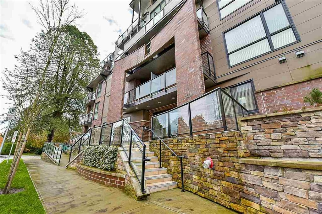 Main Photo: 204 2214 Kelly Avenue in Port Coquitlam: Central Pt Coquitlam Condo for sale : MLS®# R2121281