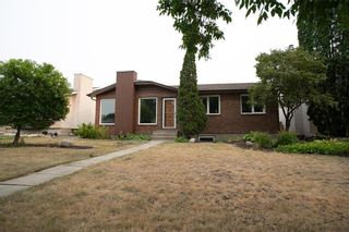 Photo 2: 66 Dells Crescent in Winnipeg: Meadowood Residential for sale (2E)  : MLS®# 202119070