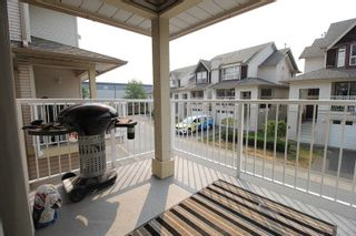 """Photo 8: 18610 65 Avenue in Surrey: Cloverdale BC Townhouse for sale in """"Ridgeway"""" (Cloverdale)  : MLS®# R2299055"""