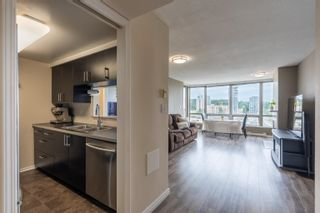 """Photo 4: 2201 9603 MANCHESTER Drive in Burnaby: Cariboo Condo for sale in """"STRATHMORE TOWERS"""" (Burnaby North)  : MLS®# R2608444"""