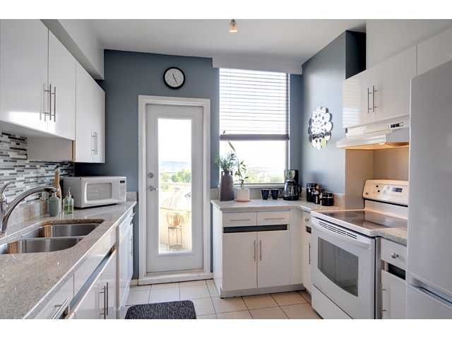 """Photo 2: Photos: 900 328 CLARKSON Street in New Westminster: Downtown NW Condo for sale in """"HIGHBOURNE TOWER"""" : MLS®# V949402"""
