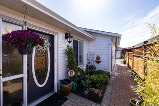 Photo 6: 14 Eagle Lane in View Royal: VR Glentana Manufactured Home for sale : MLS®# 840604