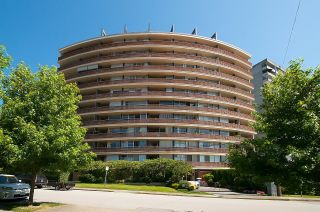 """Photo 5: 505 2135 ARGYLE Avenue in West Vancouver: Dundarave Condo for sale in """"THE CRESCENT"""" : MLS®# R2620347"""