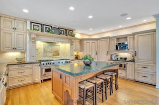 Photo 8: LA JOLLA House for sale : 4 bedrooms : 5735 Dolphin Pl