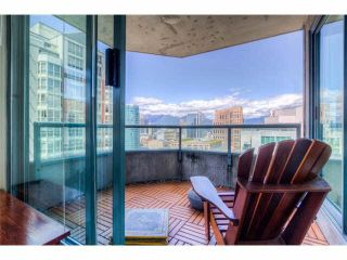 "Photo 2: 2204 888 HAMILTON Street in Vancouver: Yaletown Condo for sale in ""Rosedale Garden Residences"" (Vancouver West)  : MLS®# R2095328"