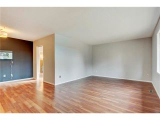 Photo 9: 6120 84 Street NW in Calgary: Silver Springs House for sale : MLS®# C4049555