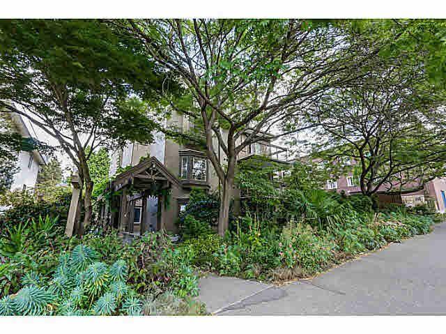 Main Photo: 302 1689 E 4TH AVENUE in : Grandview Woodland Condo for sale : MLS®# V1135533