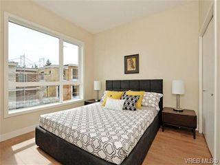 Photo 10: 8 1060 Tillicum Rd in VICTORIA: Es Kinsmen Park Row/Townhouse for sale (Esquimalt)  : MLS®# 719686