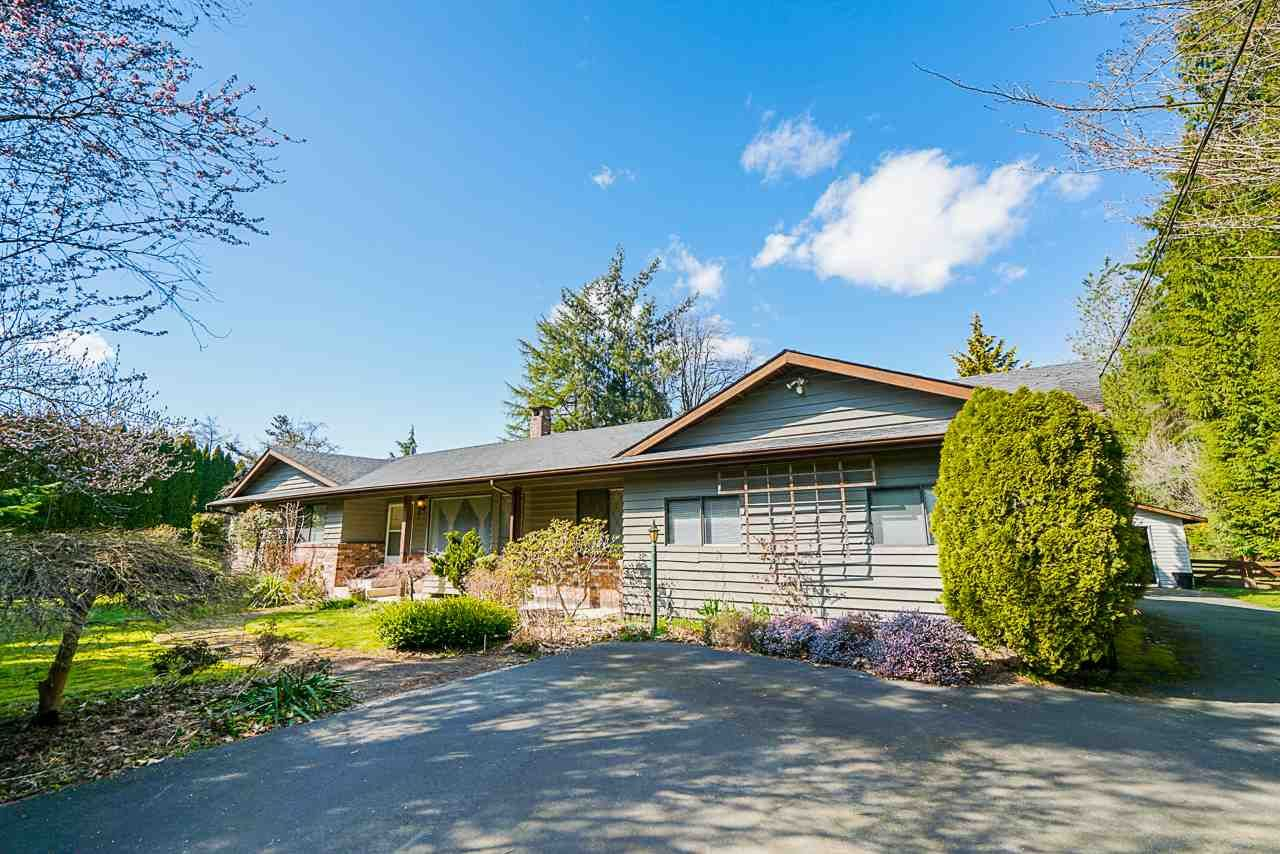 "Main Photo: 24233 54 Avenue in Langley: Salmon River House for sale in ""Salmon River Uplands"" : MLS®# R2448935"