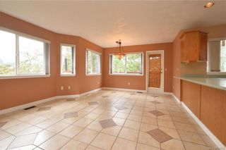 Photo 5: 2384 Fleetwood Crt in : La Florence Lake House for sale (Langford)  : MLS®# 860735