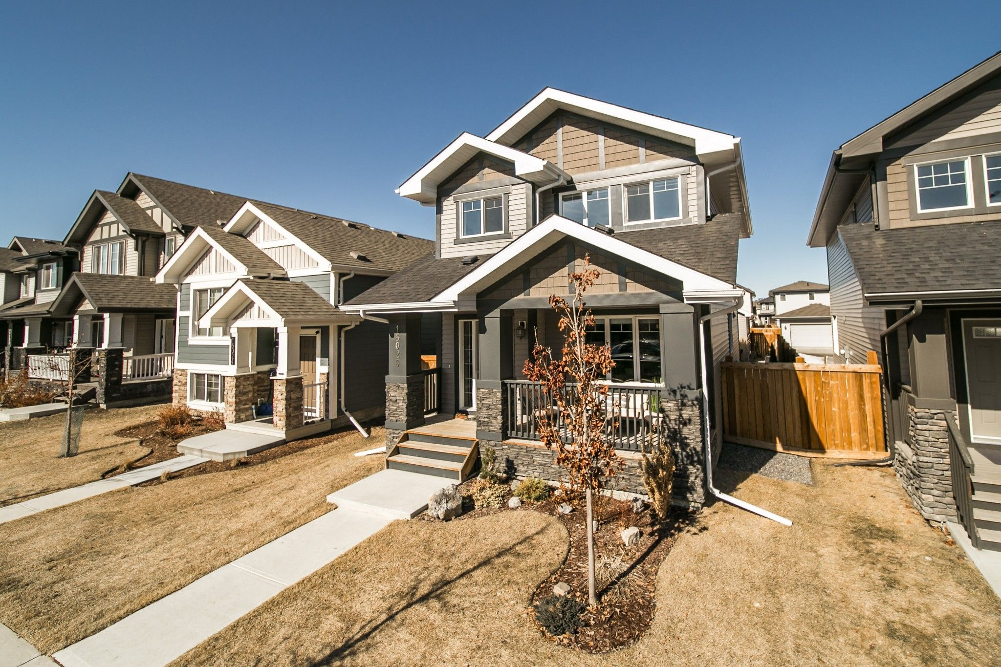 Main Photo: 16020 12 Ave SW in Edmonton: House for sale : MLS®# E4234987