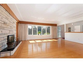 Photo 2: 3043 ROSEMONT Drive in Vancouver: Fraserview VE House for sale (Vancouver East)  : MLS®# V942575