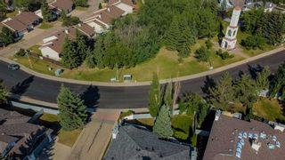Photo 36: 120 OEMING Road in Edmonton: Zone 14 House Half Duplex for sale : MLS®# E4252455