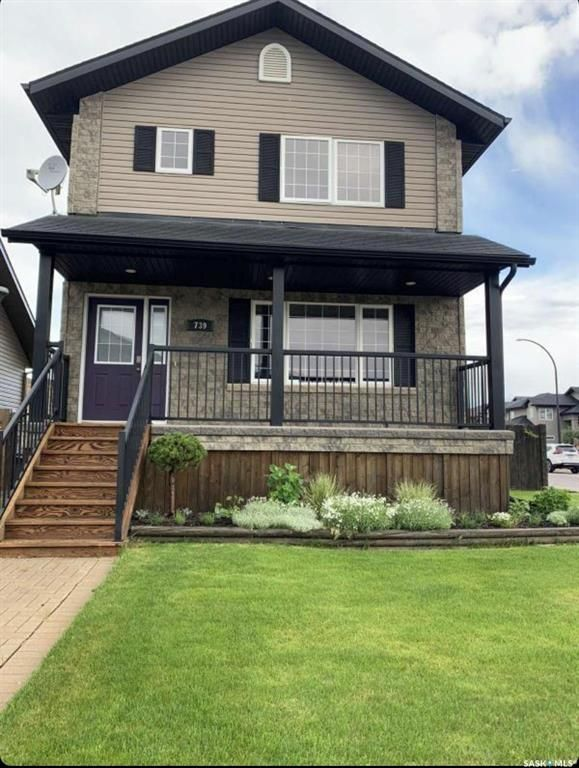 Main Photo: 739 Willowgrove Avenue in Saskatoon: Willowgrove Residential for sale : MLS®# SK859433
