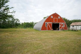 Photo 32: 39066 Road 64 N in Portage la Prairie RM: House for sale : MLS®# 202116718