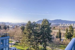 Photo 4: 604 1425 W 6TH AVENUE in Vancouver: False Creek Condo for sale (Vancouver West)  : MLS®# R2447311