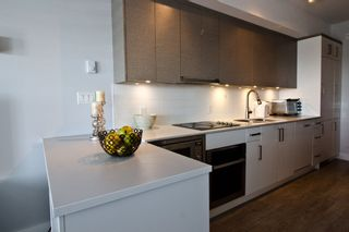 Photo 5: 408 809 FOURTH Avenue in New Westminster: Uptown NW Condo for sale : MLS®# R2544424