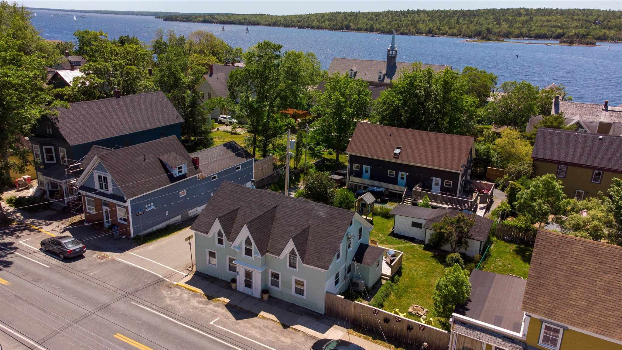 Main Photo: 131 Water Street in Shelburne: 407-Shelburne County Residential for sale (South Shore)  : MLS®# 202115250