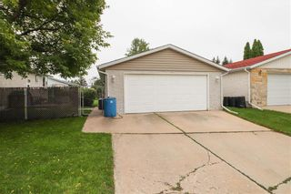 Photo 39: 39 Autumnlea Path in Winnipeg: North Kildonan Residential for sale (3G)  : MLS®# 202022357