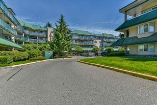 "Photo 3: 122 2962 TRETHEWEY Street in Abbotsford: Abbotsford West Condo for sale in ""CASCADE GREEN"" : MLS®# R2473837"