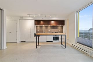 """Photo 3: 905 150 E CORDOVA Street in Vancouver: Downtown VE Condo for sale in """"Ingastown"""" (Vancouver East)  : MLS®# R2424973"""