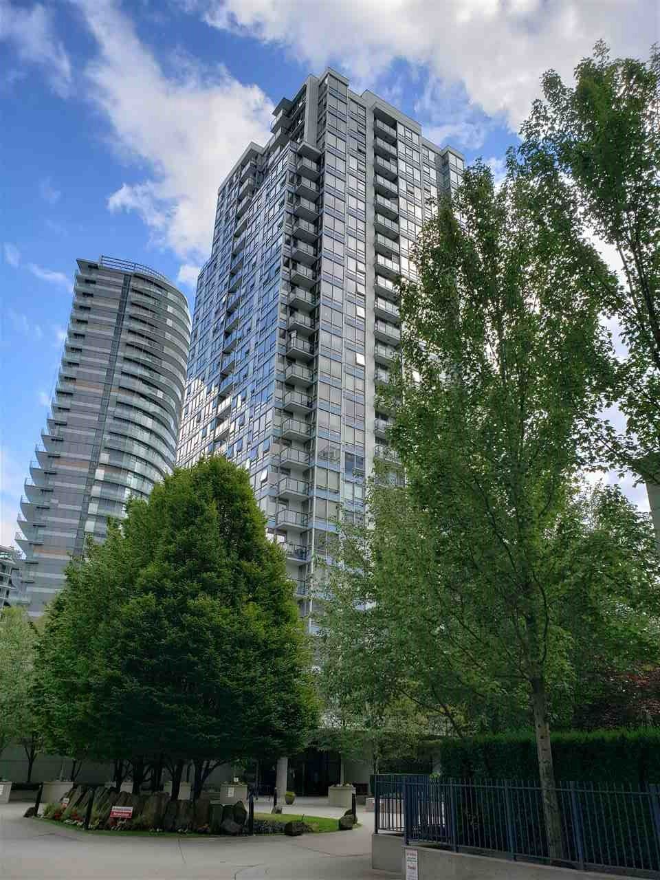 """Photo 11: Photos: 908 939 EXPO Boulevard in Vancouver: Yaletown Condo for sale in """"MAX II"""" (Vancouver West)  : MLS®# R2384214"""