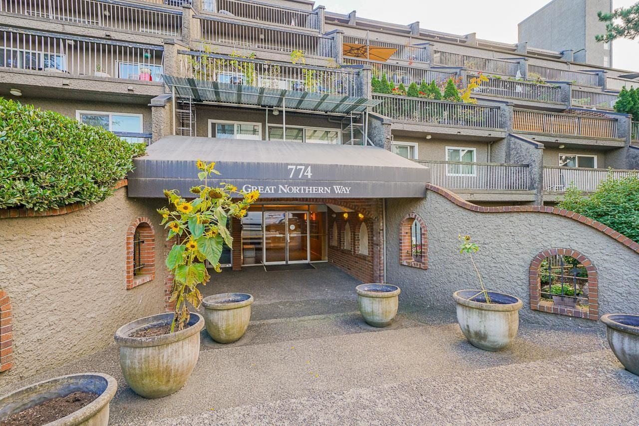 """Main Photo: 208 774 GREAT NORTHERN Way in Vancouver: Mount Pleasant VE Condo for sale in """"Pacific Terraces"""" (Vancouver East)  : MLS®# R2616976"""