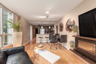 """Photo 11: 202 588 BROUGHTON Street in Vancouver: Coal Harbour Condo for sale in """"HARBOURSIDE PARK"""" (Vancouver West)  : MLS®# R2579225"""