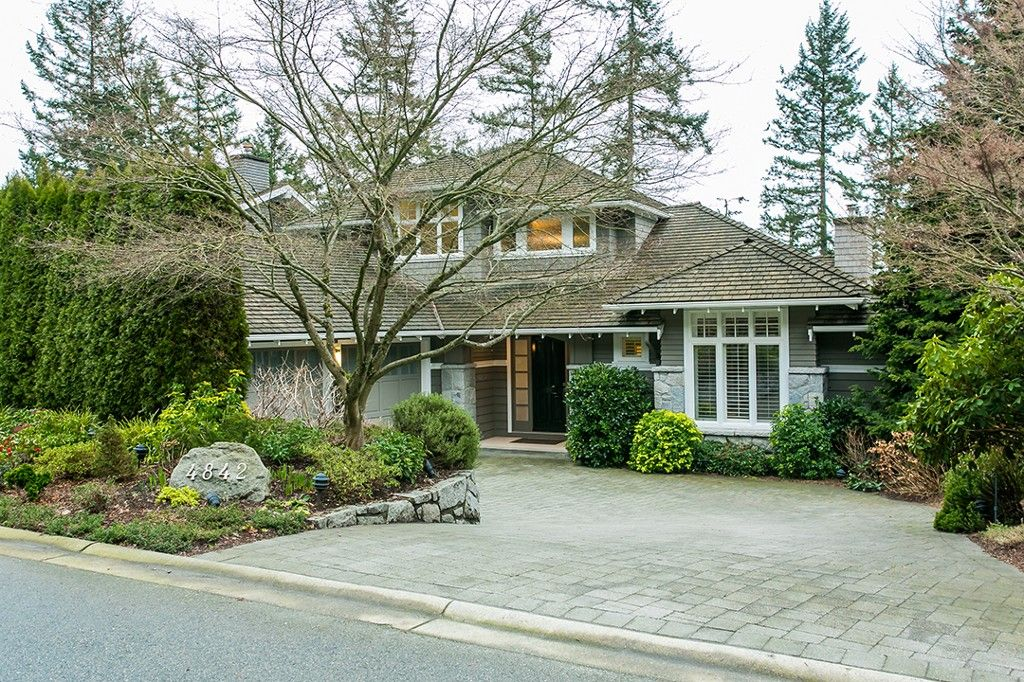 Main Photo: 4842 Vista Place in West Vancouver: Caulfield House for sale : MLS®# R2032436