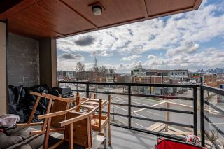 """Photo 4: 304 857 W 15TH Street in North Vancouver: Mosquito Creek Condo for sale in """"The Vue"""" : MLS®# R2562611"""