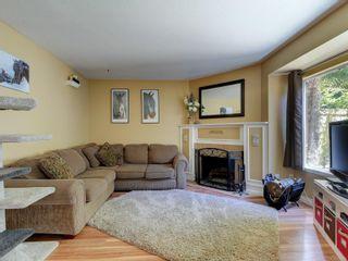 Photo 2: 17 3993 Columbine Way in : SW Tillicum Row/Townhouse for sale (Saanich West)  : MLS®# 879069