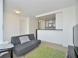 """Photo 3: 1201 33 SMITHE Street in Vancouver: Yaletown Condo for sale in """"Coopers Lookout"""" (Vancouver West)  : MLS®# V924404"""