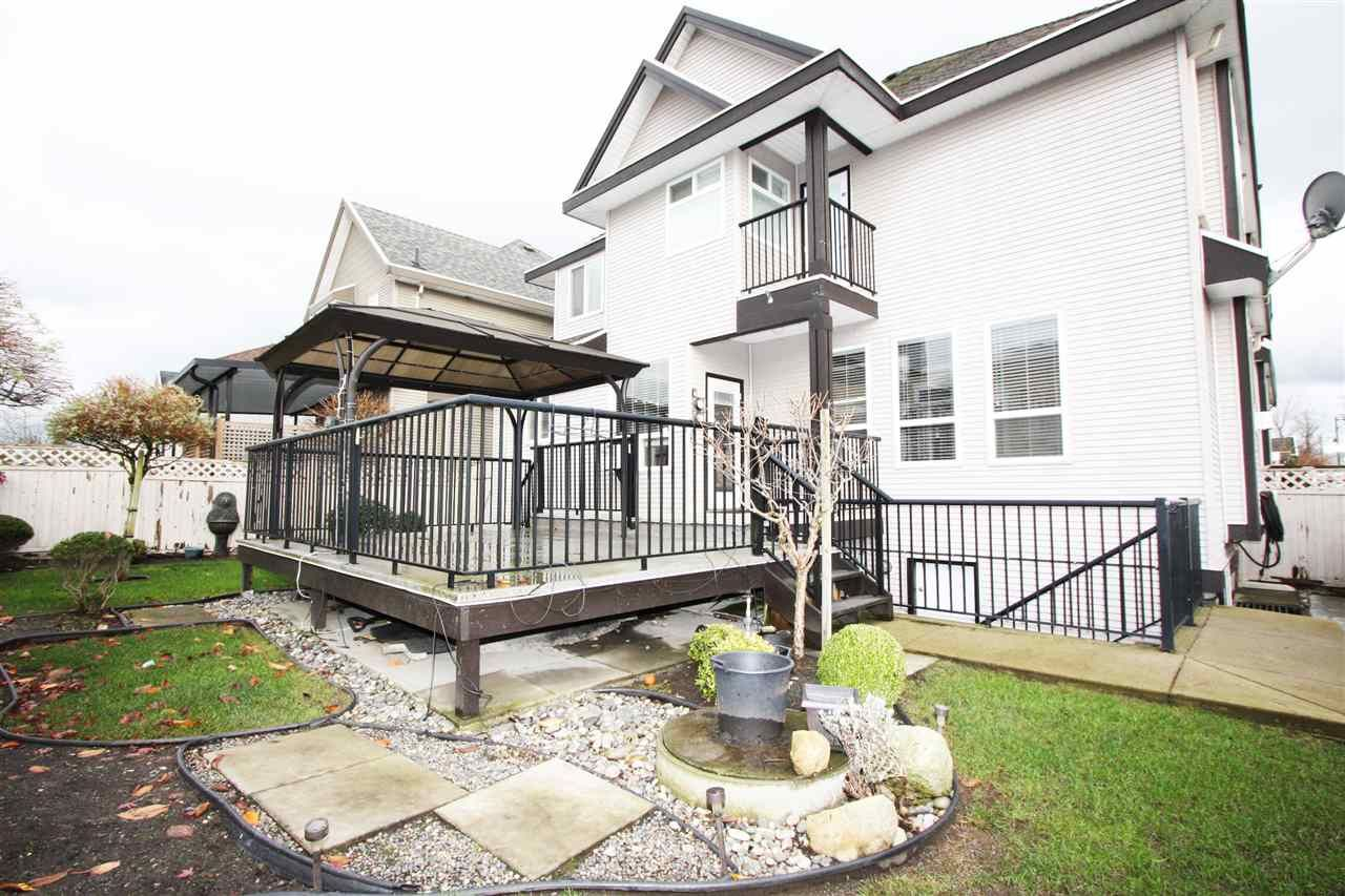 Photo 3: Photos: 6303 167B Street in Surrey: Cloverdale BC House for sale (Cloverdale)  : MLS®# R2123835