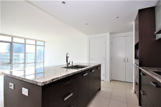 "Photo 2: 2701 1028 BARCLAY Street in Vancouver: West End VW Condo for sale in ""Patina"" (Vancouver West)  : MLS®# R2499439"