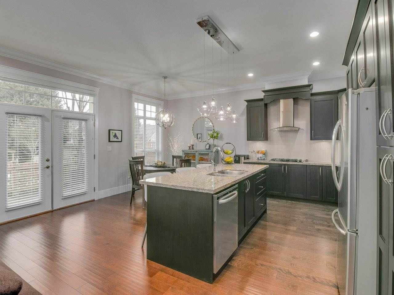 """Photo 10: Photos: 15 2456 163 Street in Surrey: Grandview Surrey Townhouse for sale in """"Azure East"""" (South Surrey White Rock)  : MLS®# R2535860"""
