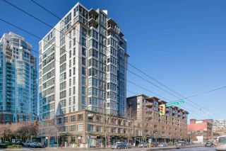 """Photo 2: 902 189 NATIONAL Avenue in Vancouver: Mount Pleasant VE Condo for sale in """"SUSSEX BY Bosa"""" (Vancouver East)  : MLS®# R2141629"""