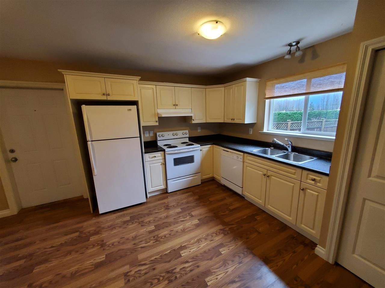 """Photo 29: Photos: 34914 2 Avenue in Abbotsford: Poplar House for sale in """"Huntingdon Village"""" : MLS®# R2548984"""