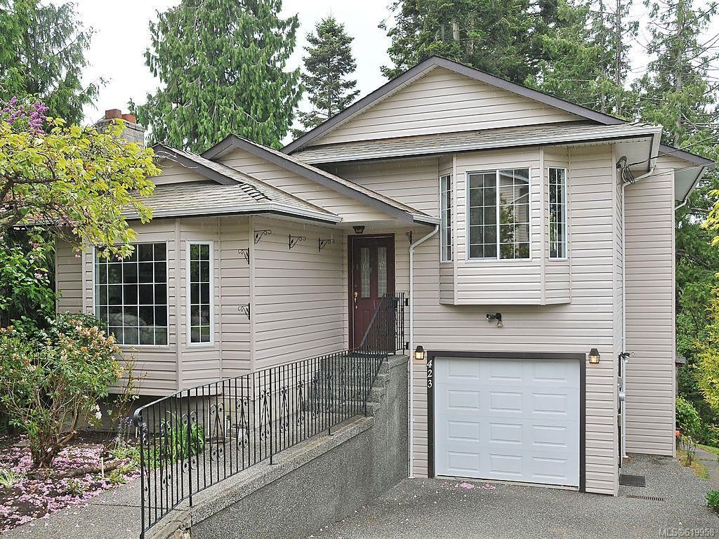 Main Photo: 423 Creed Pl in View Royal: VR Hospital House for sale : MLS®# 619958