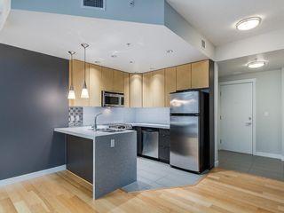 Photo 4: 401 788 12 Avenue SW in Calgary: Beltline Apartment for sale : MLS®# C4256922