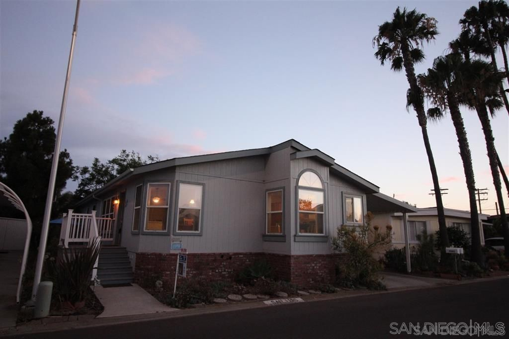 Main Photo: CARLSBAD WEST Manufactured Home for sale : 3 bedrooms : 7241 San Luis Street #185 in Carlsbad