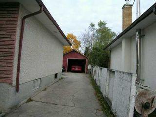 Photo 8: 1119 DE FEHR Street in Winnipeg: North Kildonan Single Family Detached for sale (North East Winnipeg)  : MLS®# 2516738