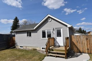 Photo 1: 619 6th Avenue West in Nipawin: Residential for sale : MLS®# SK852297