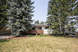 Photo 2: 2328 58 Avenue SW in Calgary: North Glenmore Park Detached for sale : MLS®# A1130448