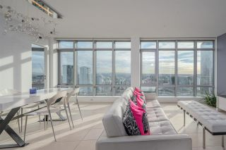 """Photo 2: 3301 1028 BARCLAY Street in Vancouver: West End VW Condo for sale in """"PATINA"""" (Vancouver West)  : MLS®# R2529159"""