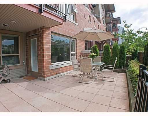 Main Photo: 200 Klahanie Drive in Port Moody: Condo for sale : MLS®# V783837
