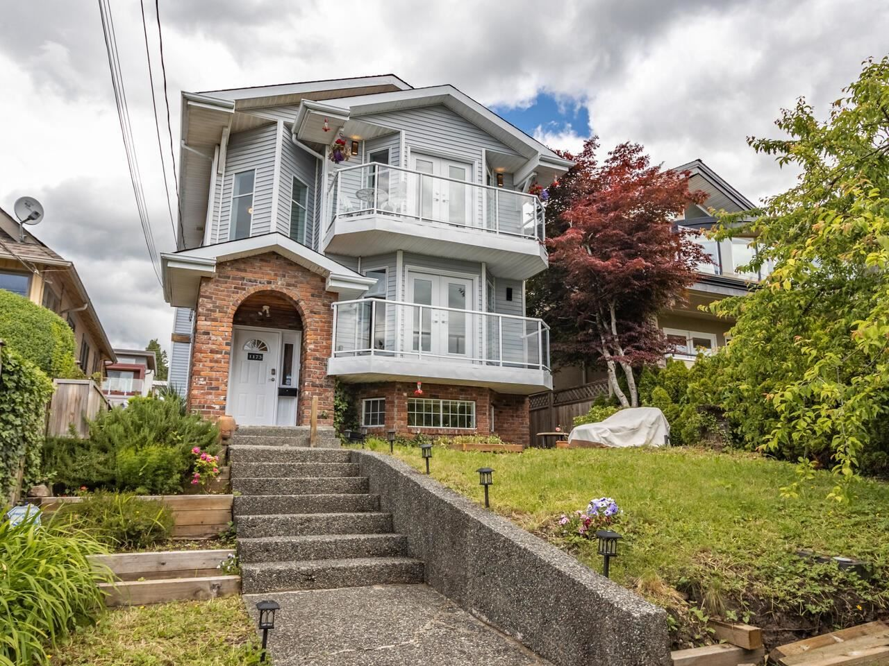 Main Photo: 1173 DUCHESS Avenue in West Vancouver: Ambleside House for sale : MLS®# R2594283
