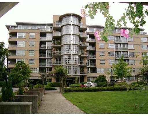 """Main Photo: 201 2655 CRANBERRY Drive in Vancouver: Kitsilano Condo for sale in """"NEW YORKER"""" (Vancouver West)  : MLS®# V690804"""