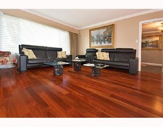 Photo 2: 5929 WILLOW Street in Vancouver: Oakridge VW House for sale (Vancouver West)  : MLS®# V668859