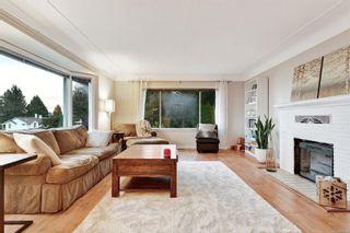 Photo 6: 5036 Lochside Dr in : SE Cordova Bay House for sale (Saanich East)  : MLS®# 858478
