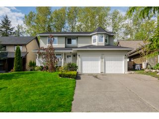 Photo 2: 18253 57A Avenue in Surrey: Cloverdale BC House for sale (Cloverdale)  : MLS®# R2163180